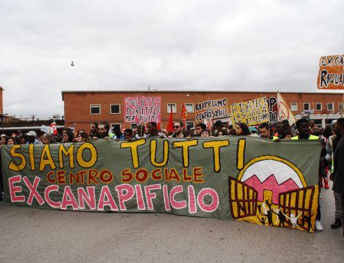 Oltre 3000 manifestanti in corteo per chiedere la riapertura del CSA Ex-Canapificio di Caserta